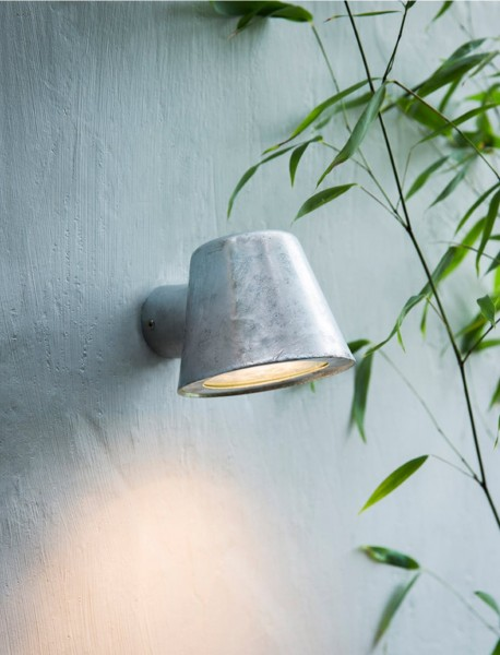 Garden Trading LAHP30 Mast Outdoor Wall Light in Silver