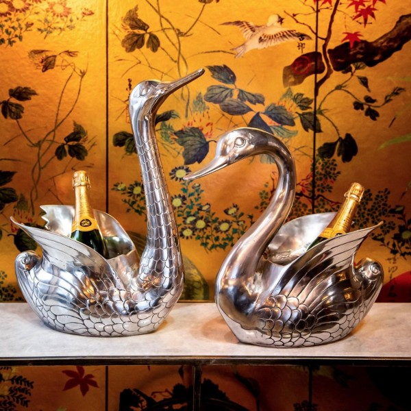 Culinary Concepts SW6117-HBW Swan Bottle Holder with Bowed Head